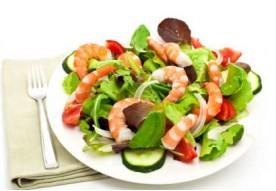 P4 Salade aux crevettes ou au poulet ou au crabe